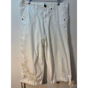 Bay Studio White Cotton Spandex Capri Pants 14